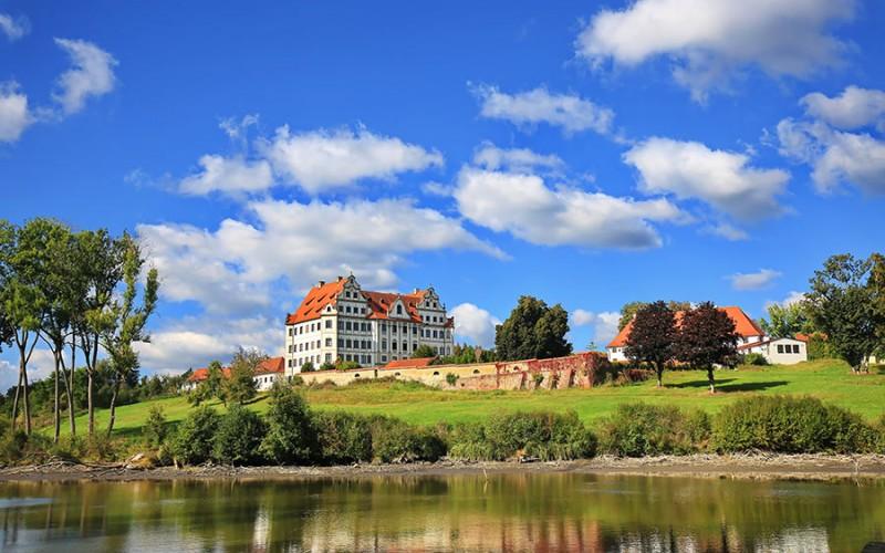 Schloss Harthausen bei Günzburg in der Ferienregion Bayerisch Schwaben