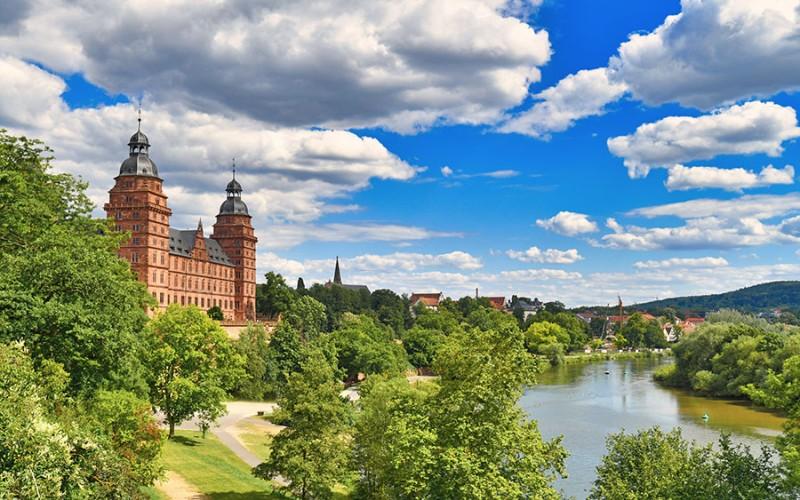 Traumhafter Ausblick auf Aschaffenburg und den Main