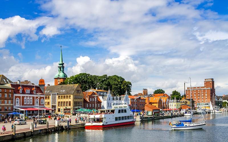 Flensburg liegt im hohen Norden an der Grenze zu Dänemark