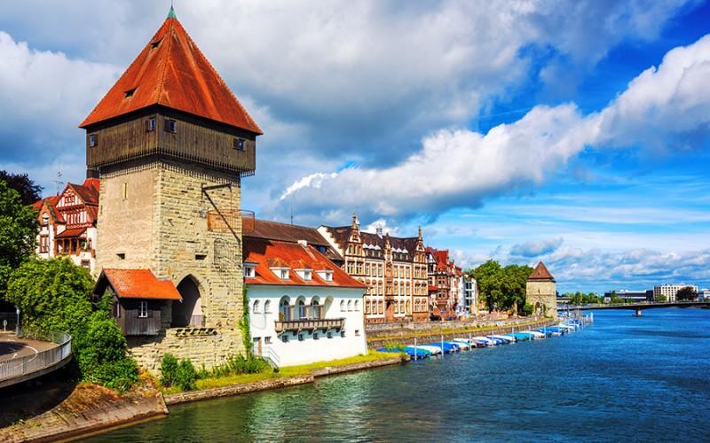 Der mittelalterliche Rheintorturm in Konstanz