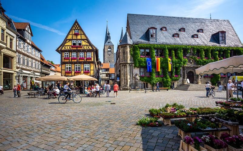 Über 2000 Fachwerkhäuser sorgen für eine romantische Kulisse in Quedlinburg