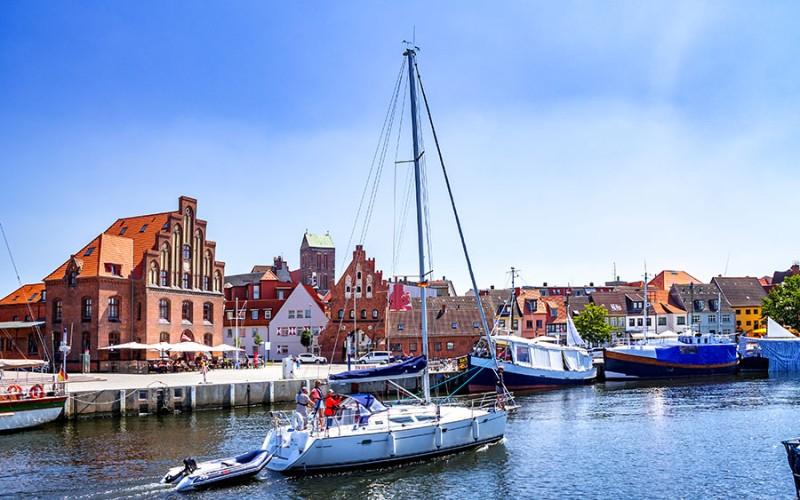 Wismar beeidruckt durch seine Geschichte und seine wunderschöne Lage an der Ostsee
