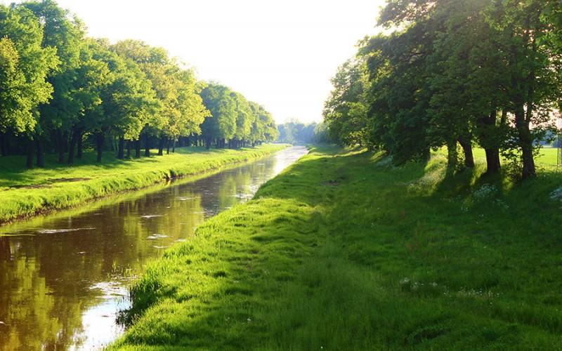 """Der Fluss """"Schwarze Elster"""" gab dem der Ferienregion ihren Namen"""