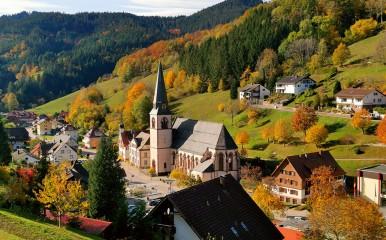 Idyllisch gelegen im Schwarzwald mit berühmten Mineralwasserquellen